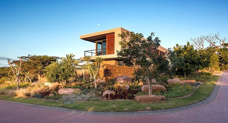 elegant-modern-house-with-swimming-pool (1)