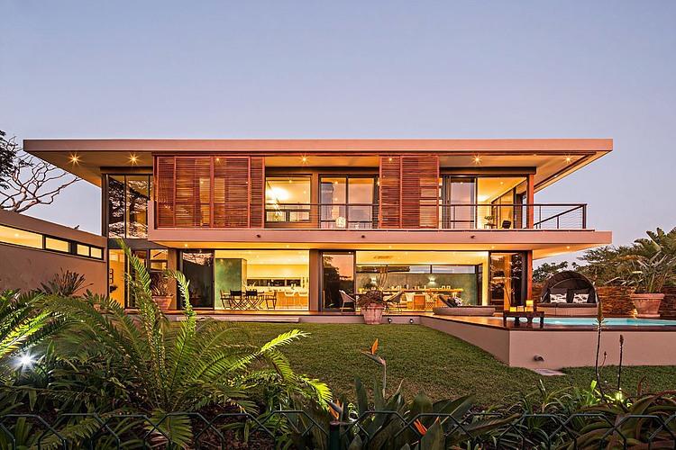 elegant-modern-house-with-swimming-pool (13)