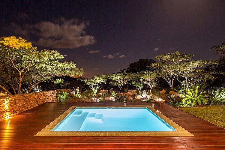 elegant-modern-house-with-swimming-pool (17)