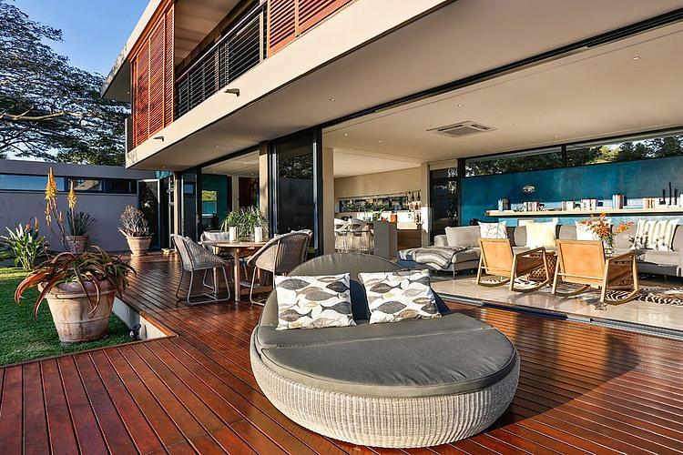 elegant-modern-house-with-swimming-pool (5)