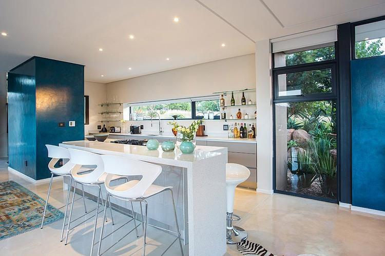 elegant-modern-house-with-swimming-pool (8)