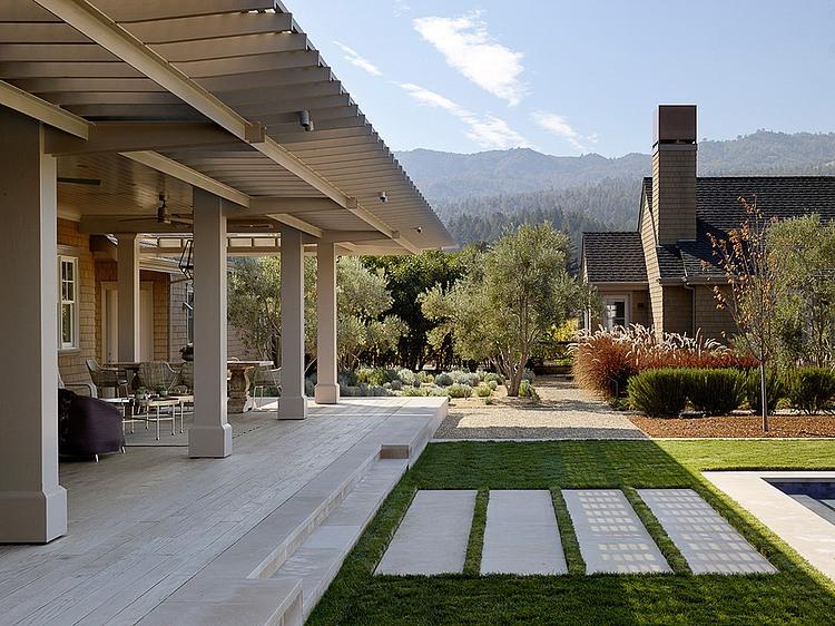 elegant-resort-with-vintage-exterior (28)