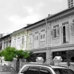 แบบทาวน์เฮาส์แนวร่วมสมัย ตัวอาคารสีขาวเรียบๆ คลาสสิคที่ภายนอก โมเดิร์นที่ภายใน