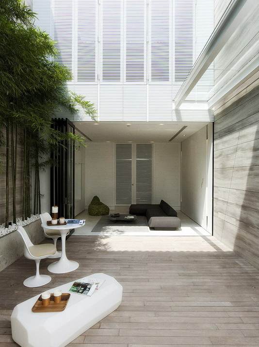 extreme-white-contemporary-town-house (11)