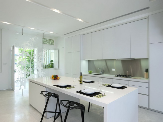 extreme-white-contemporary-town-house (7)