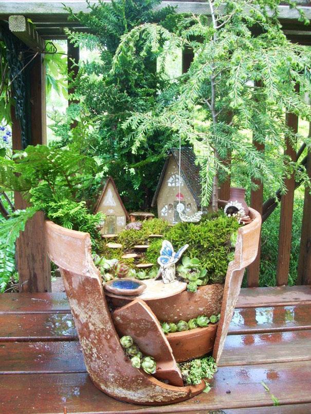 fairy-garden-in-a-broken-flowerpot (6)
