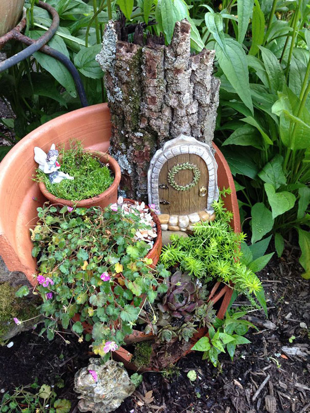 fairy-garden-in-a-broken-flowerpot (7)