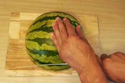 how to eat a watermelon (4)