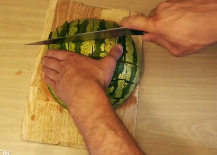 how to eat a watermelon (7)