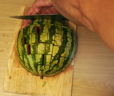 how to eat a watermelon (8)