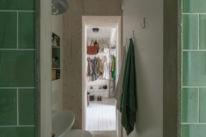 limited-space-condo-room (9)