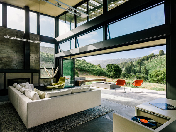 modern-butterfly-house-on-hill (10)