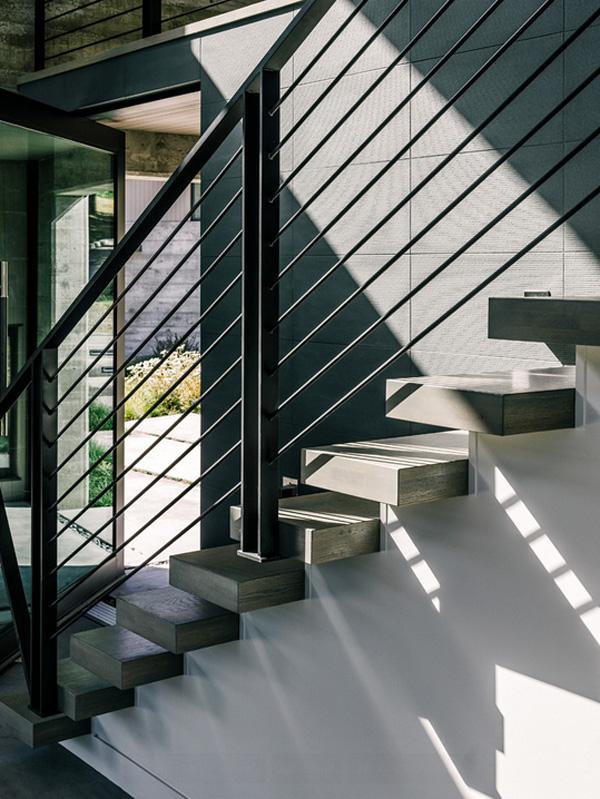 modern-butterfly-house-on-hill (14)