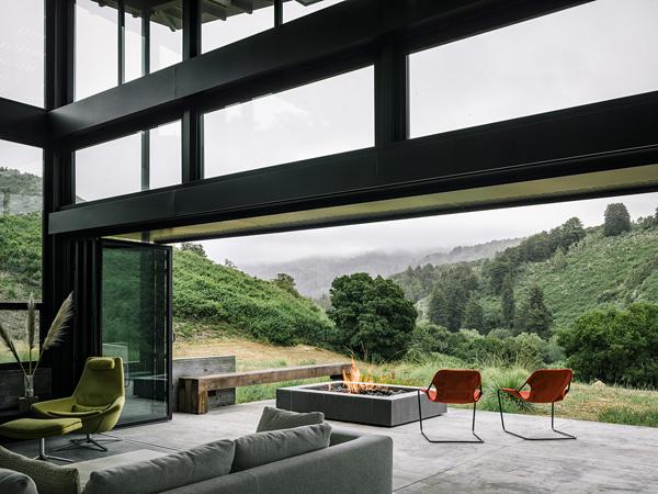 modern-butterfly-house-on-hill (21)