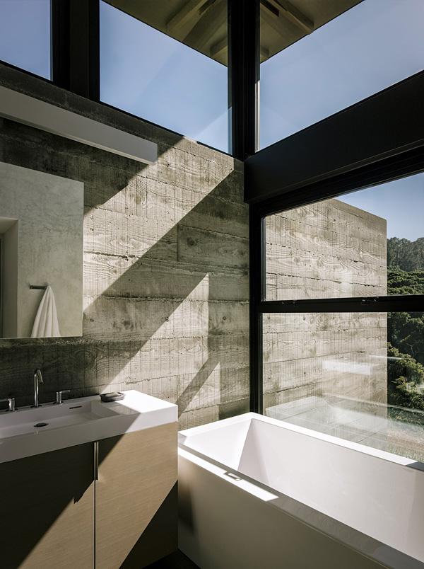 modern-butterfly-house-on-hill (23)