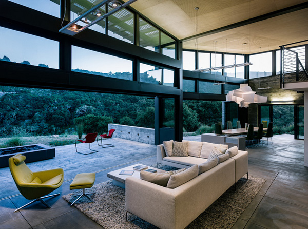 modern-butterfly-house-on-hill (24)
