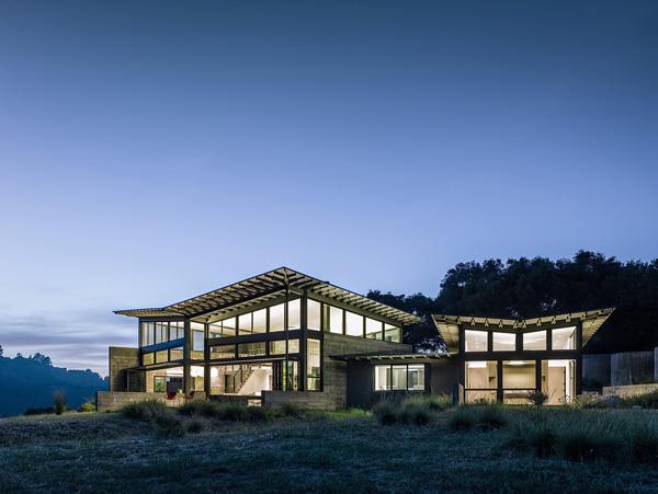 modern-butterfly-house-on-hill (29)