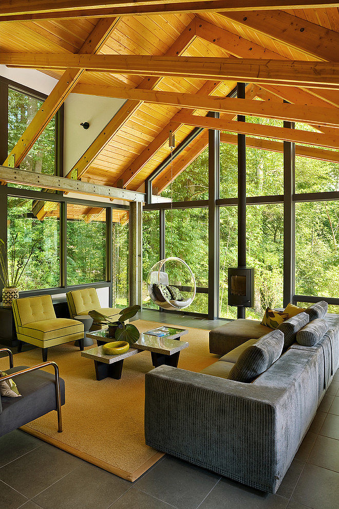 modern-cabin-glass-house-in-forest (2)