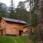 บ้านไม้กลางป่าสไตล์โมเดิร์น สัมผัสกลิ่นอายธรรมชาติพร้อมกับความทันสมัย