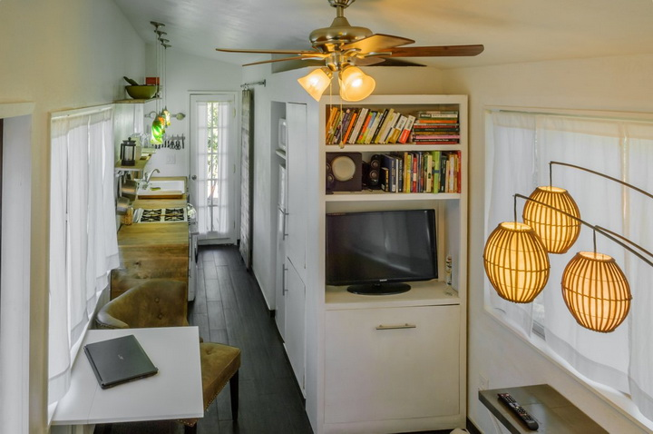 modern-compact-wooden-house (10)