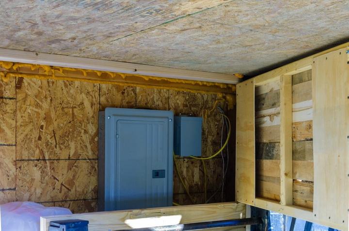 modern-compact-wooden-house (3)