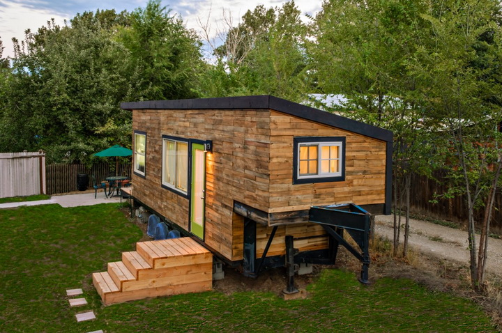 modern-compact-wooden-house (9)