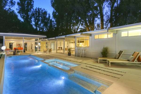 modern-contemporary-house-with-swimming-pool (1)