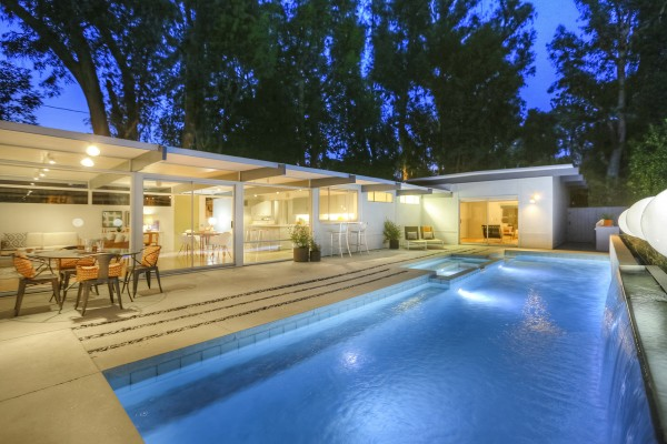 modern-contemporary-house-with-swimming-pool (2)