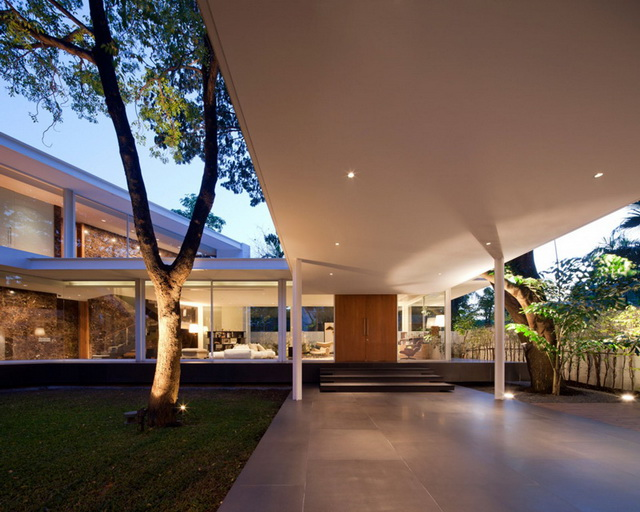 modern-glass-house-in-bkk (10)