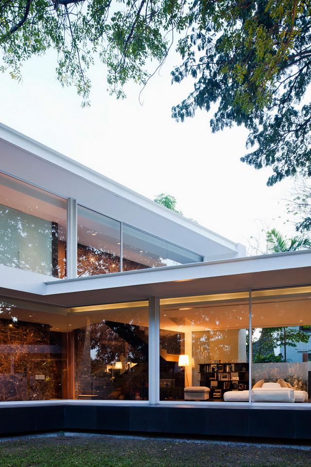 modern-glass-house-in-bkk (12)