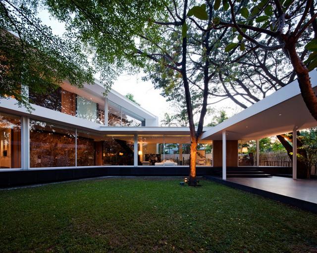 modern-glass-house-in-bkk (13)