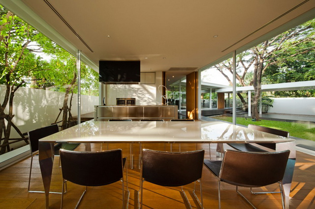 modern-glass-house-in-bkk (27)