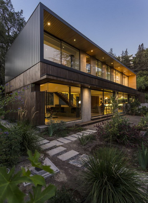 modern rectangular country house in wood (1)