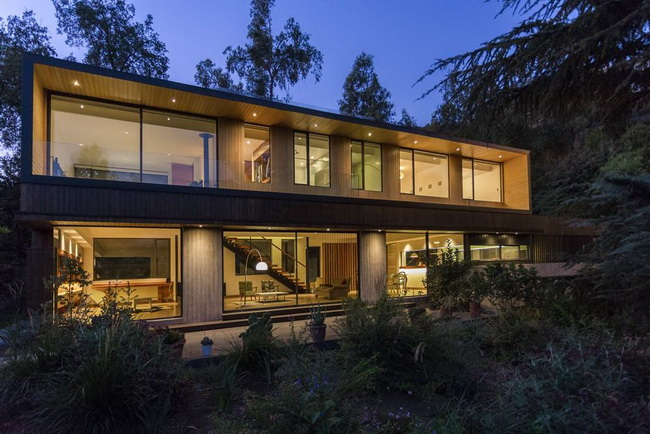 modern rectangular country house in wood (2)