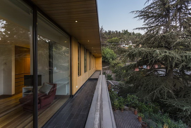modern rectangular country house in wood (3)