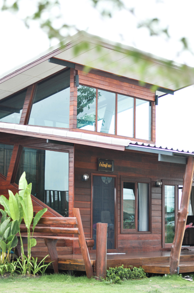 modern-thai-oldschool-wooden-house (23)