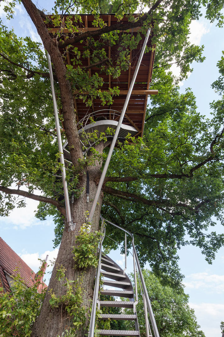 modern-tree-house-in-town (3)