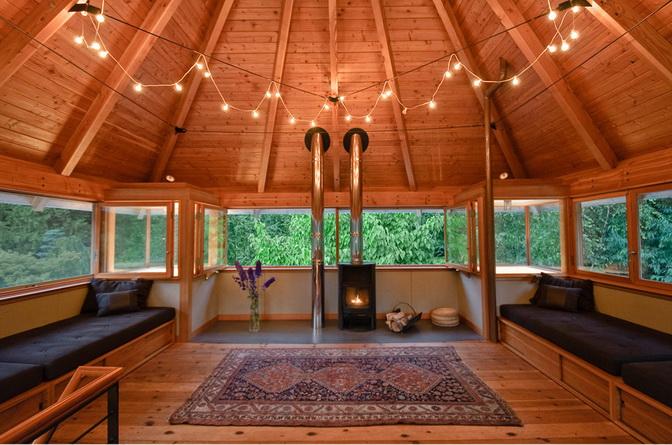 modern wooden guesthouse  (2)