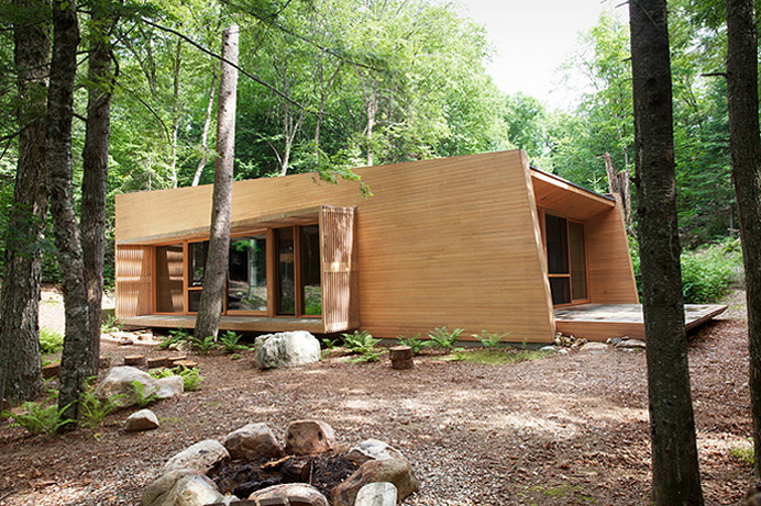 modern-wooden-house-in-peaceful-wood (2)
