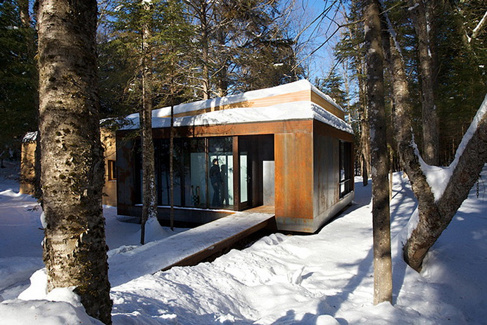 modern-wooden-house-in-peaceful-wood (6)