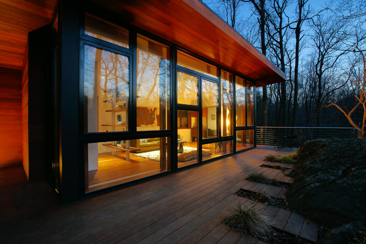 modern-wooden-house-with-outstanding-porch (8)