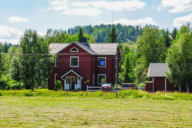 red-modern-farm-house (22)