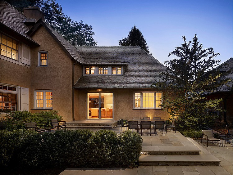 renovated-contemporary-suburban-house (1)