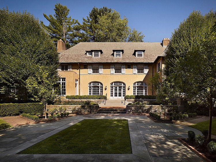 renovated-contemporary-suburban-house (15)