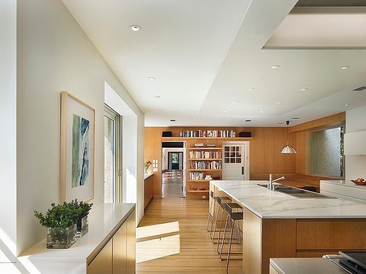 renovated-contemporary-suburban-house (2)