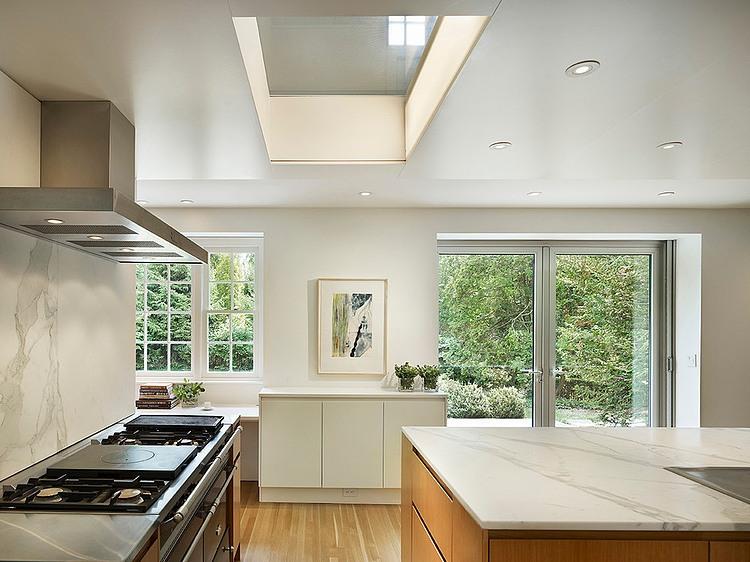 renovated-contemporary-suburban-house (5)