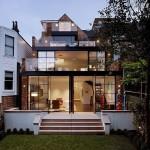 บ้านทาวน์เฮาส์รีโนเวท จากบ้านไม้เก่าๆ สู่บ้านกระจกโมเดิร์นสุดหรู