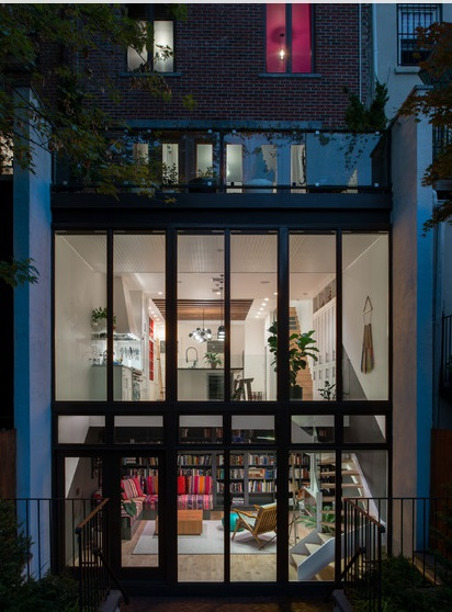 renovated-plain-townhouse-to-pop-art-residence (1)