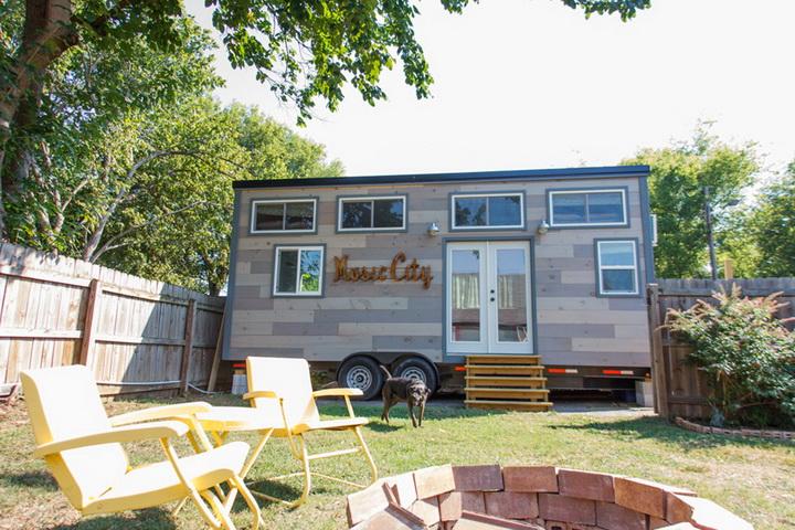 tiny-cabin-compact-loft-house (1)