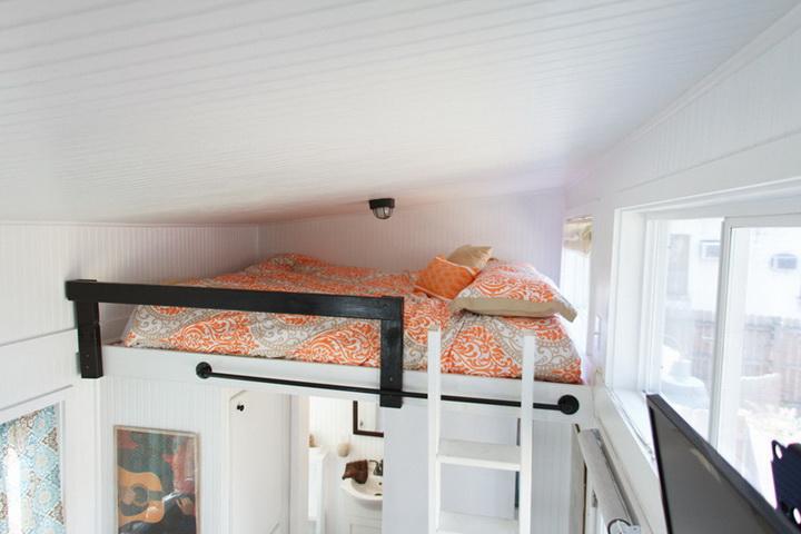 tiny-cabin-compact-loft-house (6)